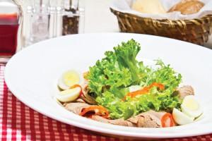 Салат с телятиной и печеным перцем
